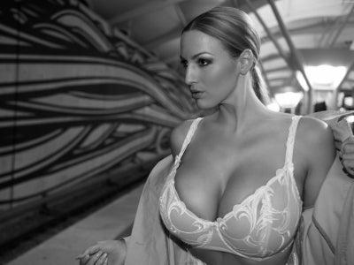 naked Sideboobs Emily Bett (15 foto) Tits, iCloud, bra