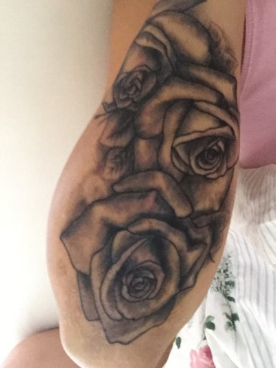 Looking for a good laser tattoo removal clinic in perth for Looking glass plastic surgery tattoo removal